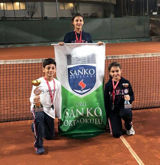 SANKO Okullarının tenis başarısı