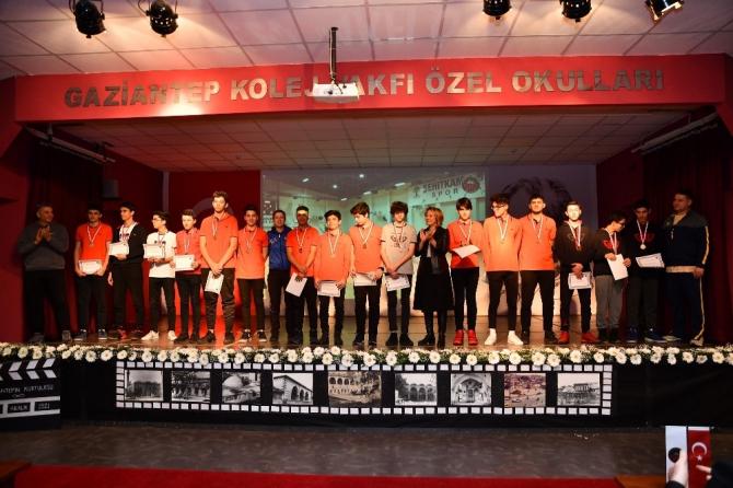 Şampiyonlar GKV'de ödüllendirildi