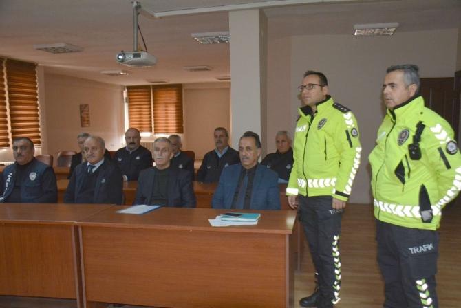 Hakkari'de zabıta ekiplerine trafik eğitimi