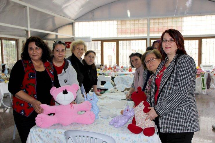 Edirne'de kadınlar lösemili çocuklara yeni yıl hediyesi hazırladı