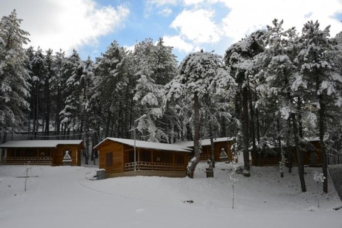 Murat Dağı Termal Kayak Merkezi'nde kar kalınlığı 50 santimetreyi geçti