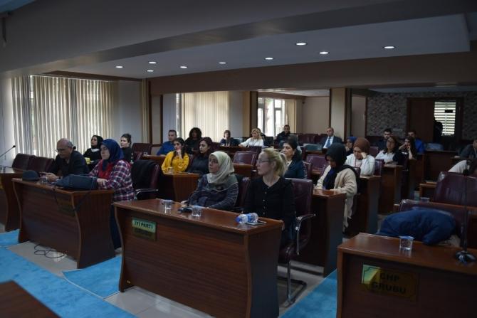 Yunusemre Belediyesi personeline sağlıklı beslenme semineri
