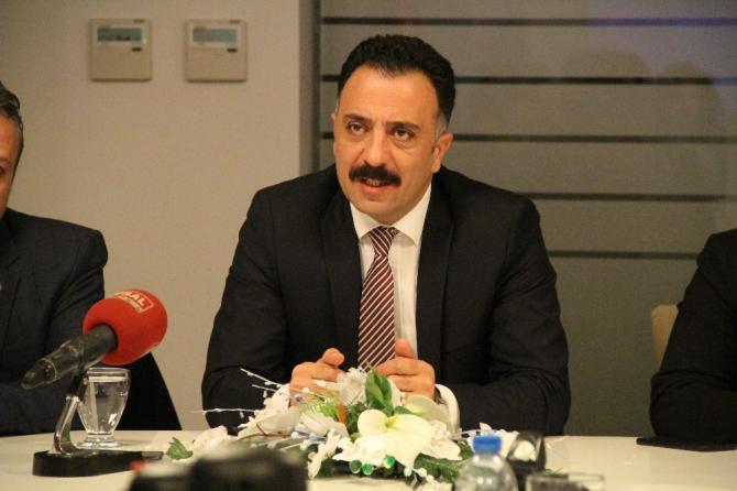 İzmir'de sağlık çalışanları için toplu ulaşımda indirim talebi