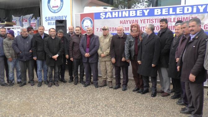 Şahinbey'de çiftçiye 7 bin ton yem dağıttı