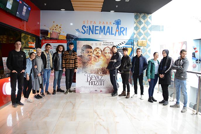 Tuzla'da Sarıkamış ''Beyaz Hüzün'' filmiyle anıldı