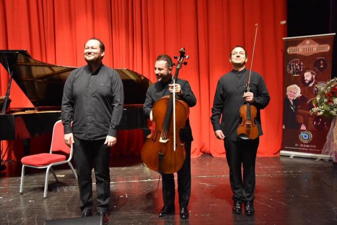 Trio Hexis, Tekirdağ'da piyano konseri verdi