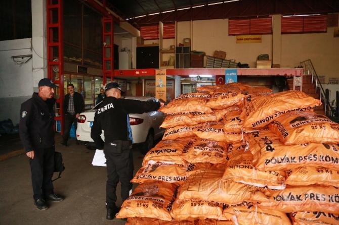 Toroslar'da katı yakıt satan işletmeler denetlendi