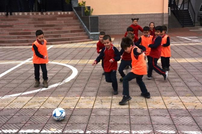 Yunusemre Gazi İlkokulu'nda genç yetenekler belirlendi