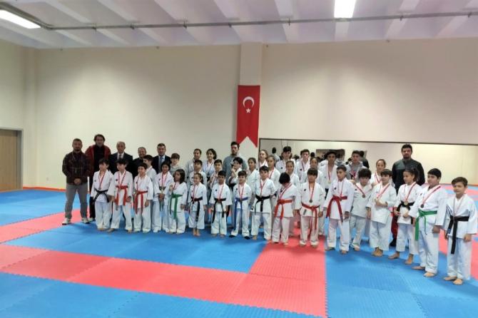 Karate'de Kdz. Ereğlili sporcular şampiyon oldu