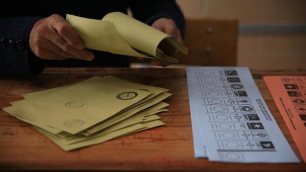 Yılın son seçim anketinin sonuçları açıklandı! İşte partilerin oy oranları...