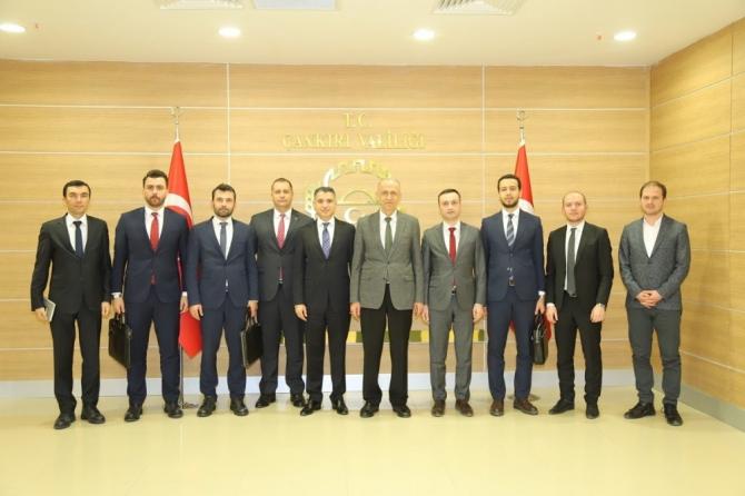 Cumhurbaşkanlığı Yatırım Ofisi Daire Başkanı Parmaksız Vali Aktaş'ı ziyaret etti
