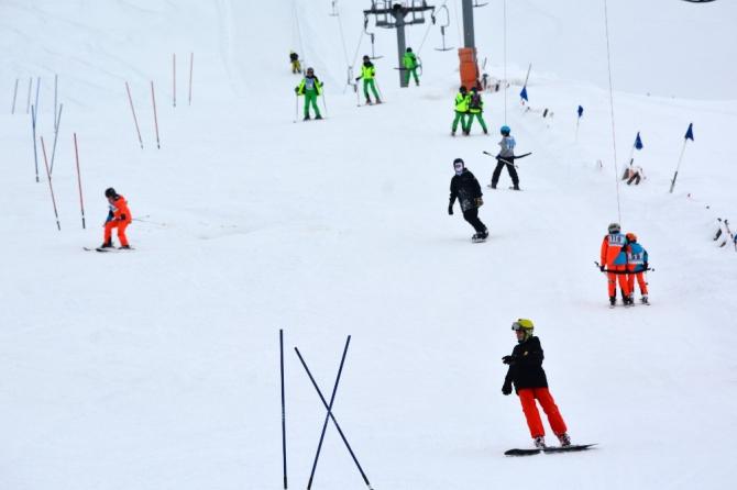 Davraz'da kar kalınlığı 1,5 metreyi aştı