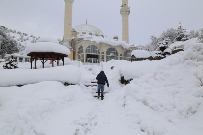 Konya'nın yüksek kesimlerinde kar etkili oluyor