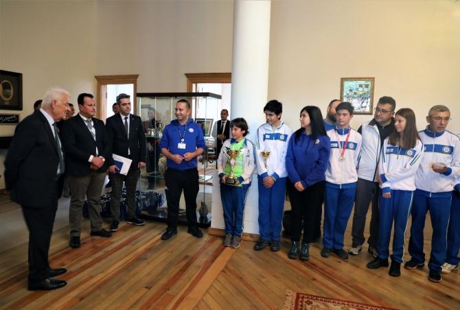 Büyükşehir sporcularından Başkan Gürün'e ziyaret