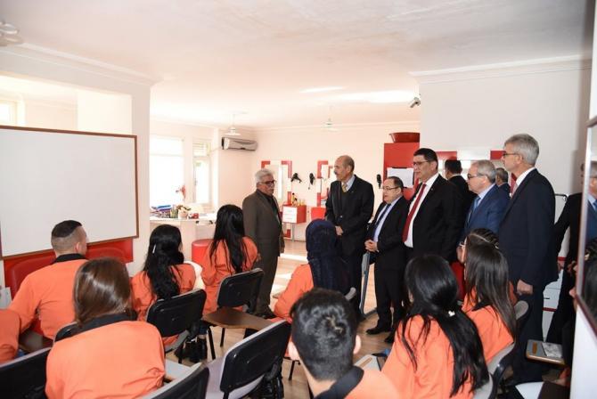 Çiçekleri Soldurmayalım Projesi Mesleki Eğitim Kursları açıldı