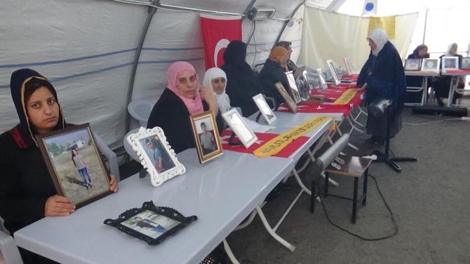 HDP önündeki ailelerin evlat nöbeti 129'uncu gününde