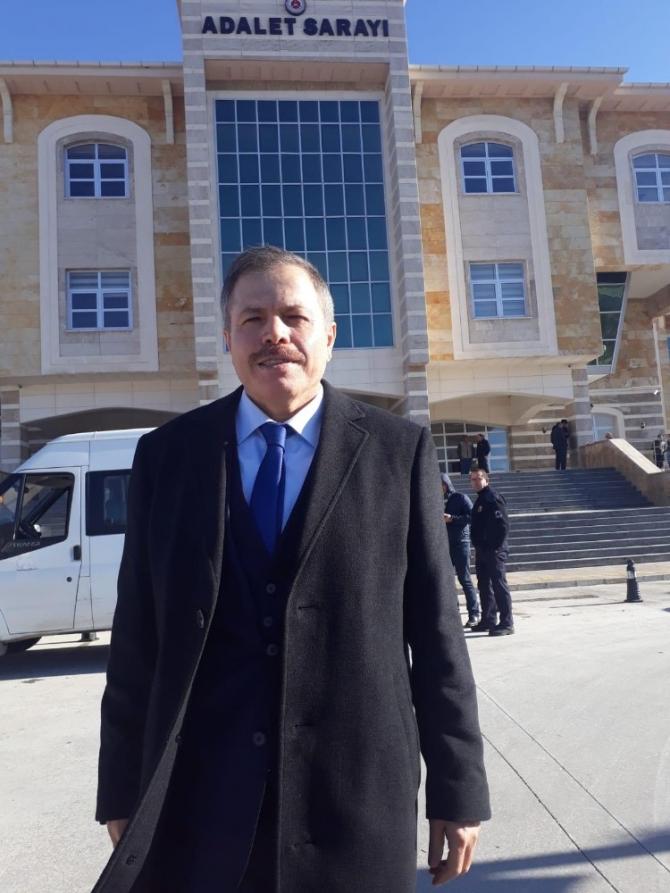Eski Uşak Üniversitesi Rektörü Sait Çelik, FETÖ davasında beraat etti