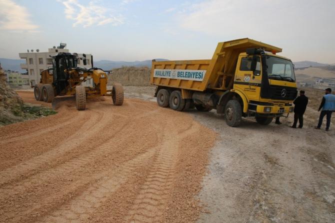 Haliliye'de bozulan yollar onarıldı