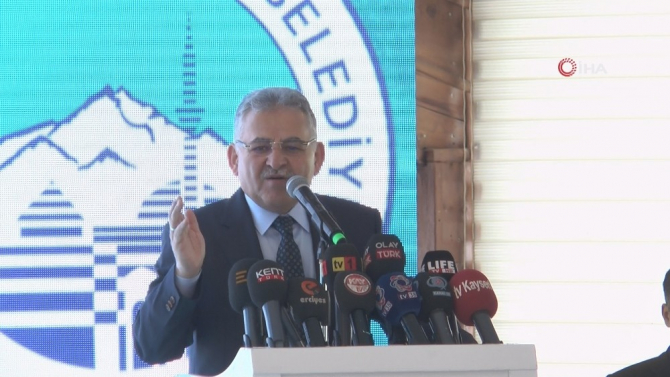 """Başkan Büyükkılıç: """"Gece demeden gündüz demeden, Kayseri için durmak yok koşmaya devam"""""""