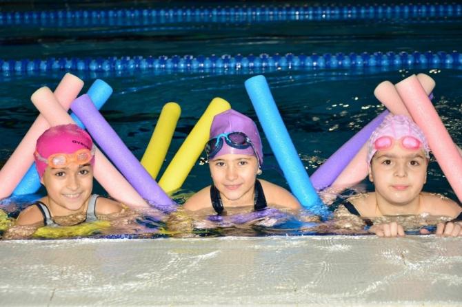 """""""Yüzme Bilmeyen Kalmasın"""" projesi"""