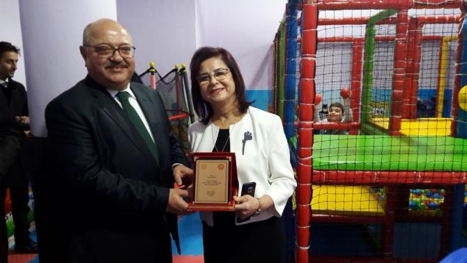 Merhum Özlem Demirsu adına anaokulunda yapılan oyun salonu açıldı