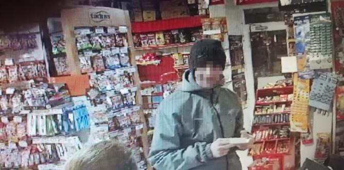 Şans oyunu için geldiği marketten bir koli içecek çalıp kaçtı