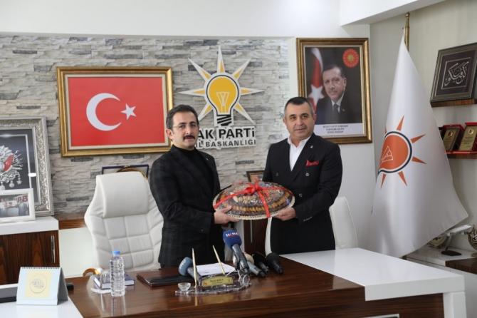 Bakan Yardımcısı Aksu'dan AK Parti'ye ziyaret