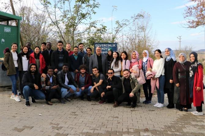 Kılavuz Gençlik binlerce öğrenciye hizmet verdi