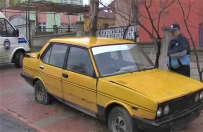 Sokaklardaki sahipsiz hurda araçlar toplanıyor