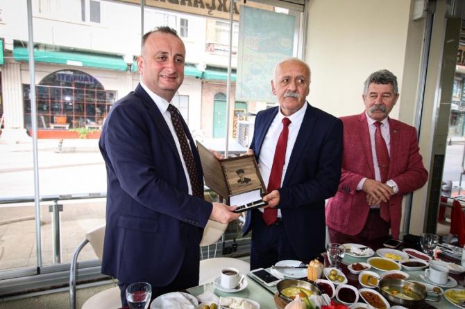 """Başkan Ayhan: """"Çevre yolu için alternatif proje üretiyoruz"""""""