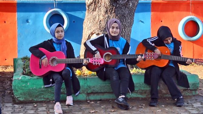 Öğrenciler MEB'in okul zili şarkısını seslendirip klipini hazırladı