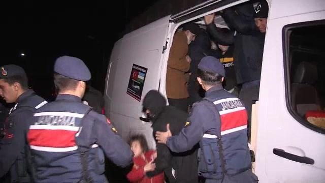 Osmangazi Köprüsünde 48 kaçak göçmen yakalandı