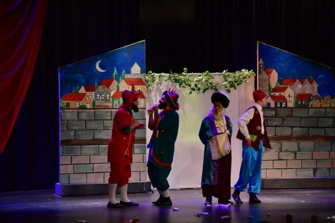 Manisa Büyükşehir'den çocuklara karne hediyesi