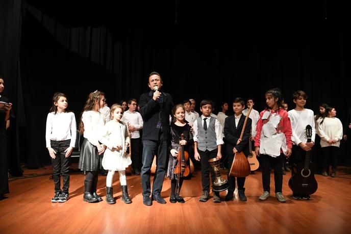 Tuzla Çocuk Sanatları Okulu Yarıyıl Gösterisi'nde çocuklar doyasıya eğlendi