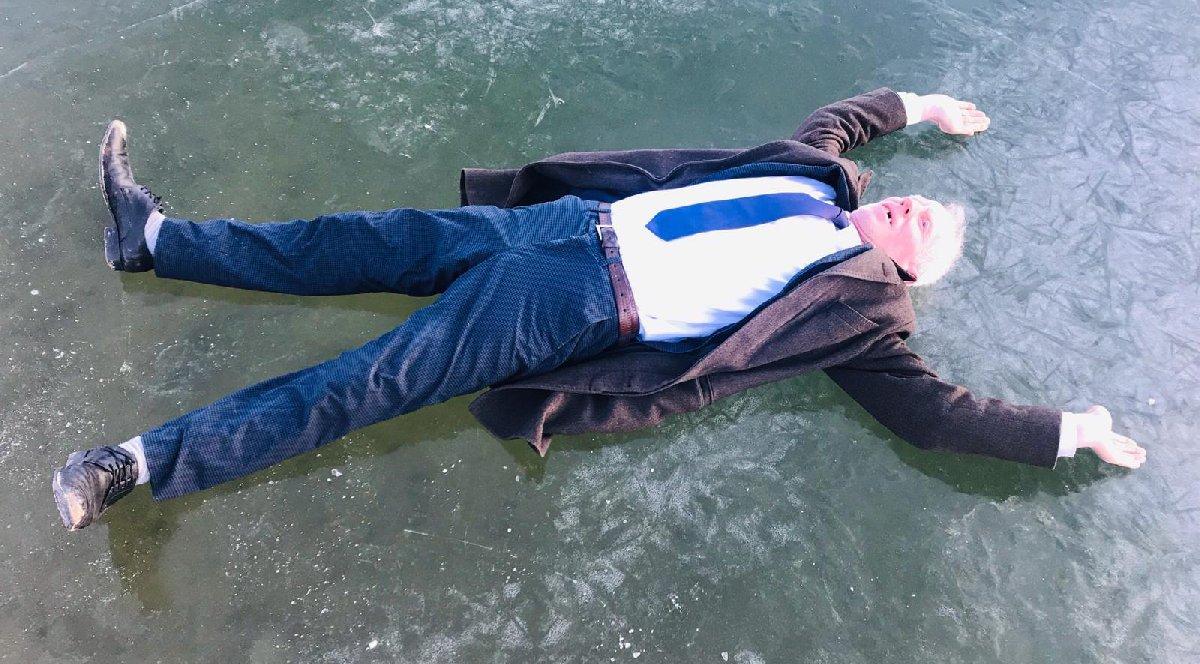 Bayburt'ta hava -15'e düştü! Köylüler suyun üzerinde yürüdü