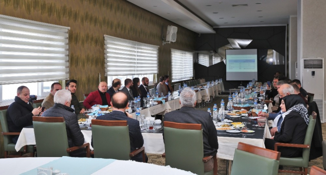 Bayburt Üniversitesi Rektörü Selçuk Coşkun, gazetecilerle buluştu