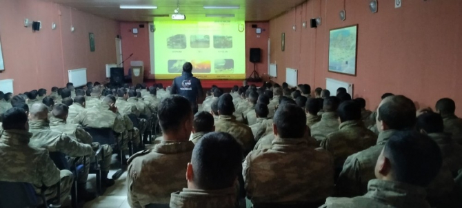 Askerlere afet eğitimi