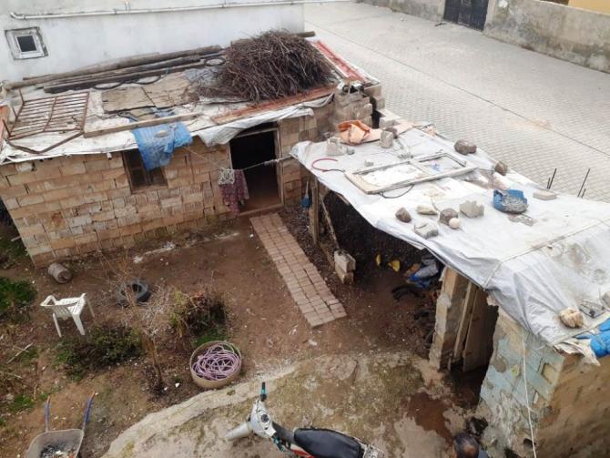 Akçakale'de ihtiyaç sahibi ailenin evi onarıldı