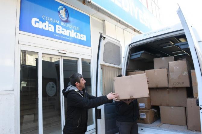 Çorum Belediyesi'nden depremzedelere yardım