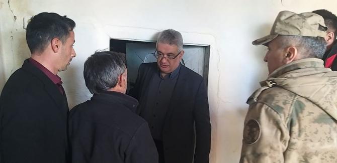Vali Aykut Pekmez depremin hasar verdiği bölgede incelemede bulundu