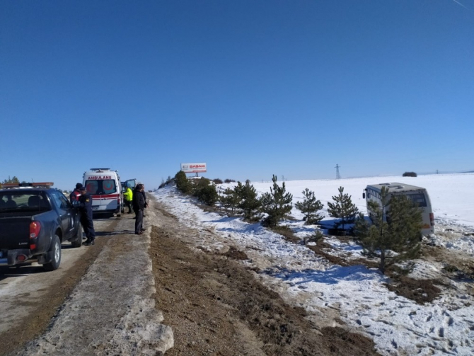 Eskişehir'de halk otobüsü yoldan çıktı: 6 yaralı