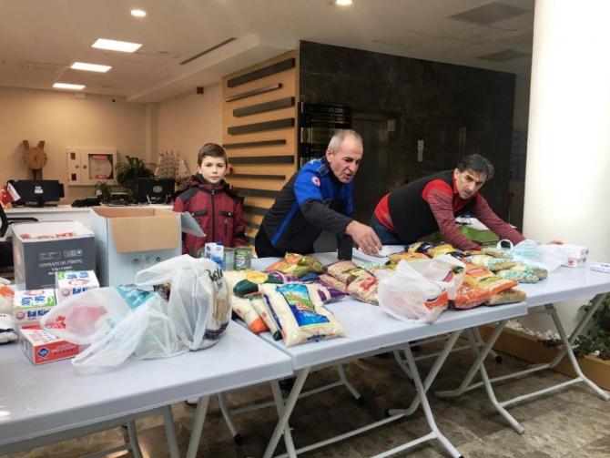Altınova'dan deprem bölgesine yardım