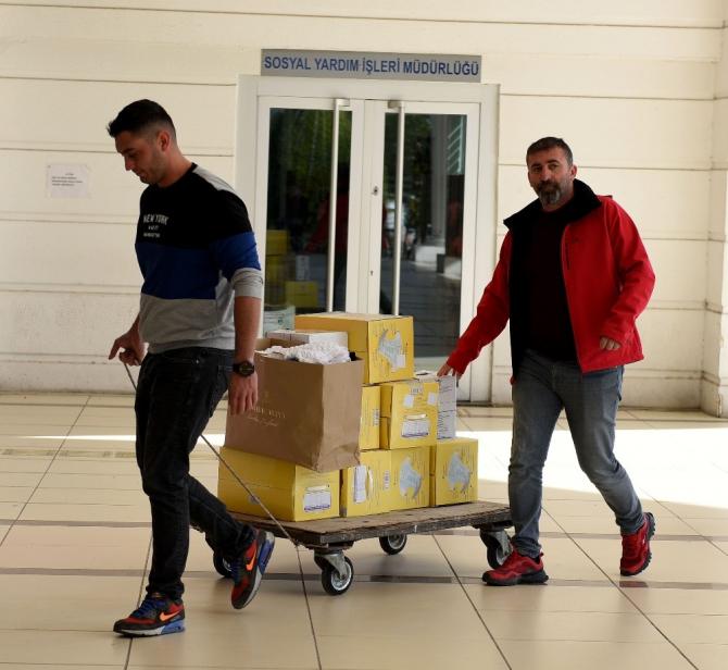 Antalya'dan 5 kamyon yardım malzemesi Elazığ için yola çıktı