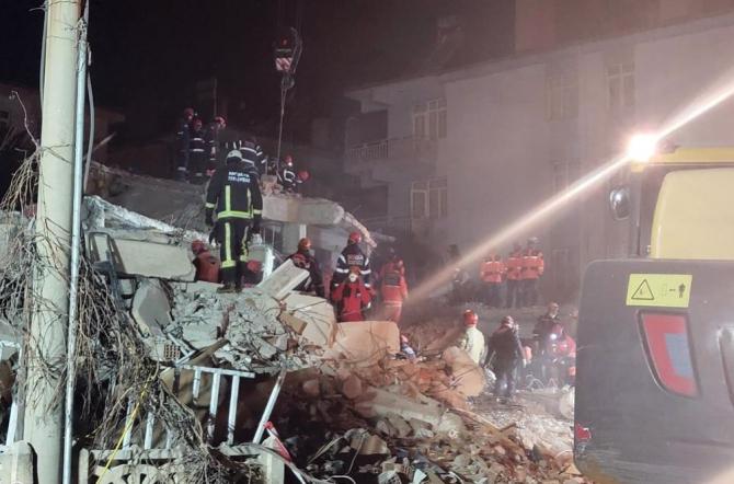 Antalya Büyükşehir ekipleri deprem bölgesinde