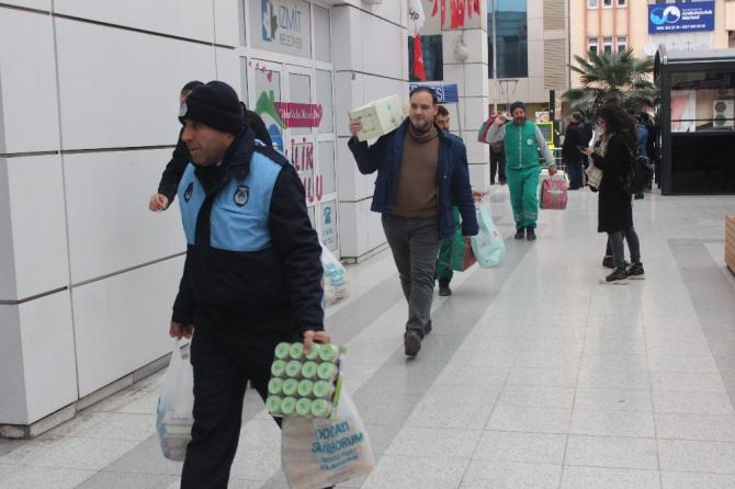 Gölcük depremini yaşayan Kocaelililer'den Elazığlı depremzedeler için kampanya