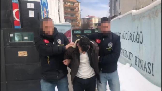 150 lira için arkadaşını öldürdü