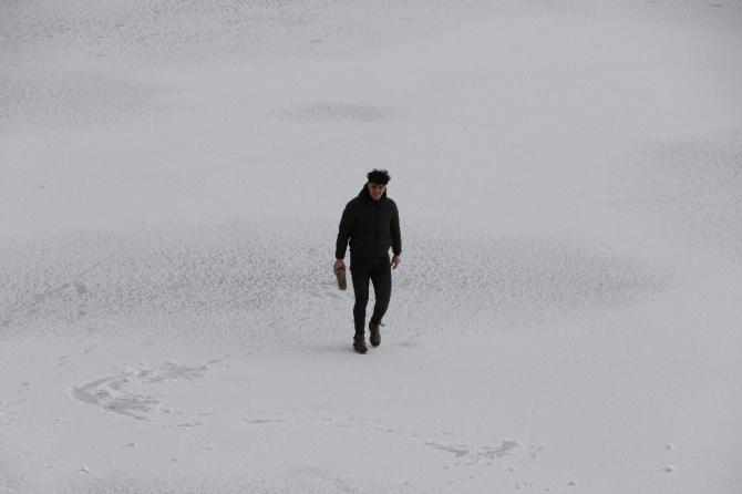 Karabük'te göletler buz tuttu