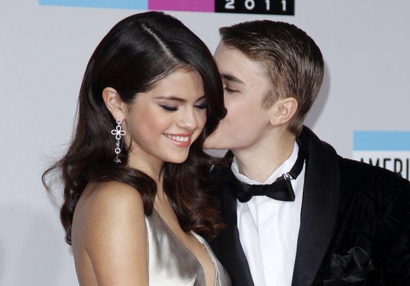 Selana Gomez olay itiraf: Justin Bieber ile beraberken istismara uğradım