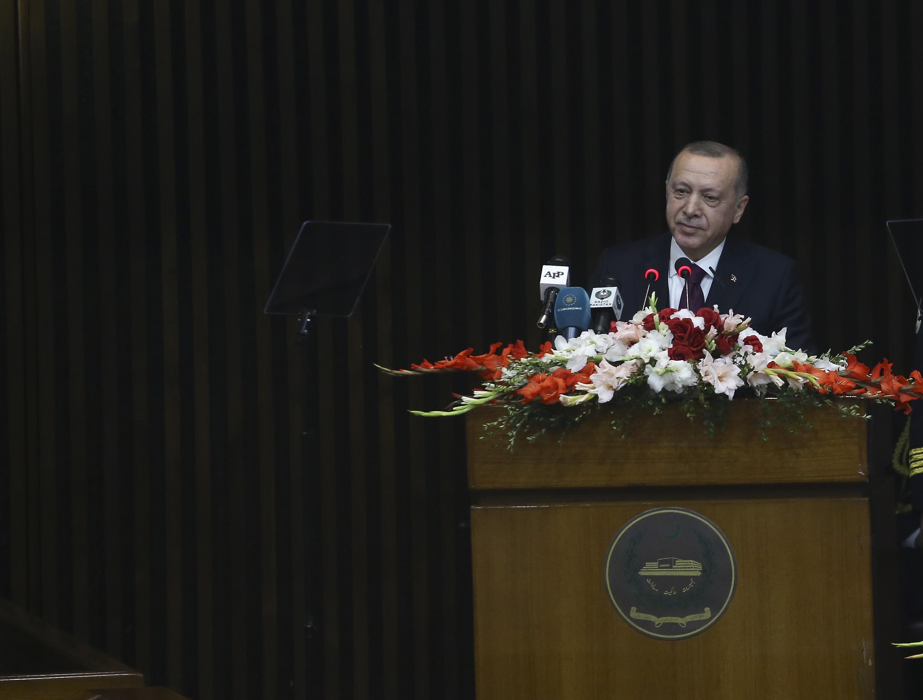 Cumhurbaşkanı Erdoğan Pakistan'da konuştu