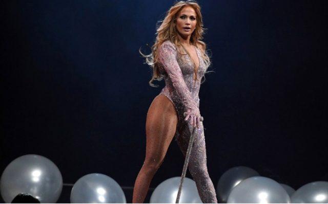 50 yaşındaki Jennifer Lopez fiziği ile dikkat çekti